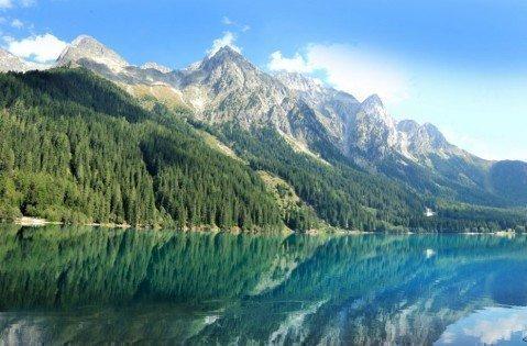 Klare Bergseen und Alpengipfel – Naturerlebnisse im Urlaub in Rasen/Antholz